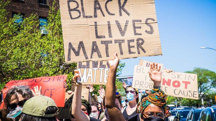 В США продолжаются протесты. Фото: TimeOut.com
